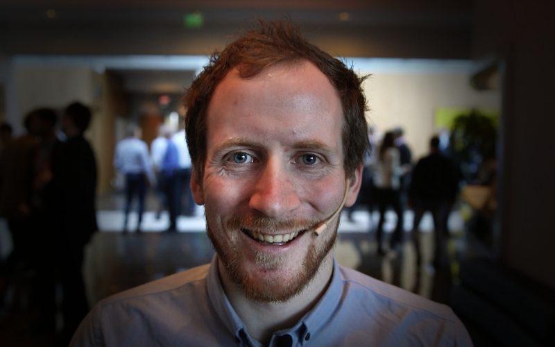 Årets taler: foredragsholder AdrianLund